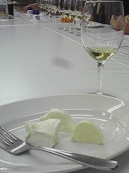 チーズとワイン1.JPG